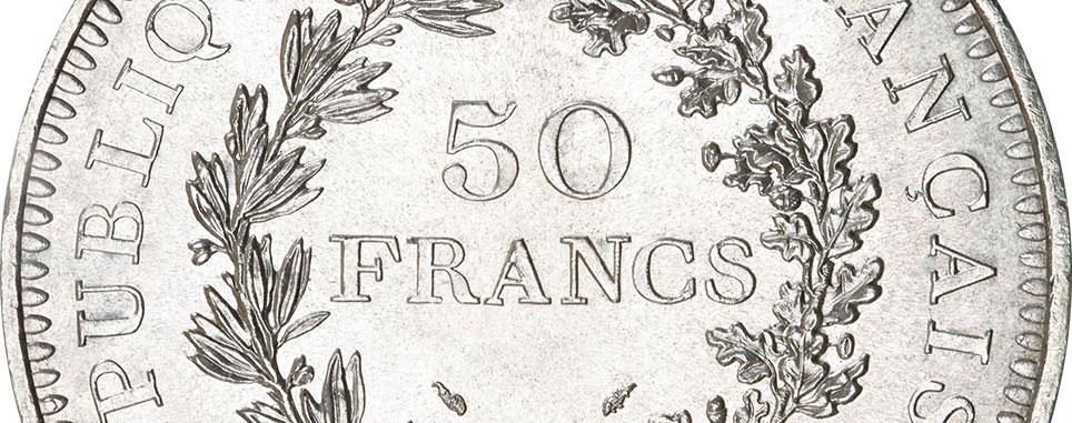 Gros plan d'une pièce de 50 francs Hercule argent