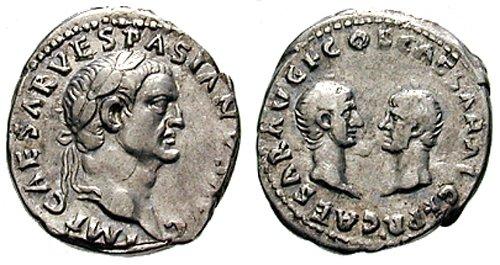 n°2.  Vespasien, Titus et Domitien, denier. A/ IMP CAESAR VESPASIANUS AVG. R/  CAESAR AVG F COS CAESAR AVG F PR. Titus et Domitien face à face. Bien que Domitien ait été associé au pouvoir au même titre que son frère, il n'a pas participé à la Guerre des Juif, ce qui a constitué un sujet de dissenssion avec son frère Titus. Une fois devenu empereur, Domitien a cessé de commémorer la victoire de Judée, remplacée par sa propre victoire sur les germains (voir aussi photo n°3)
