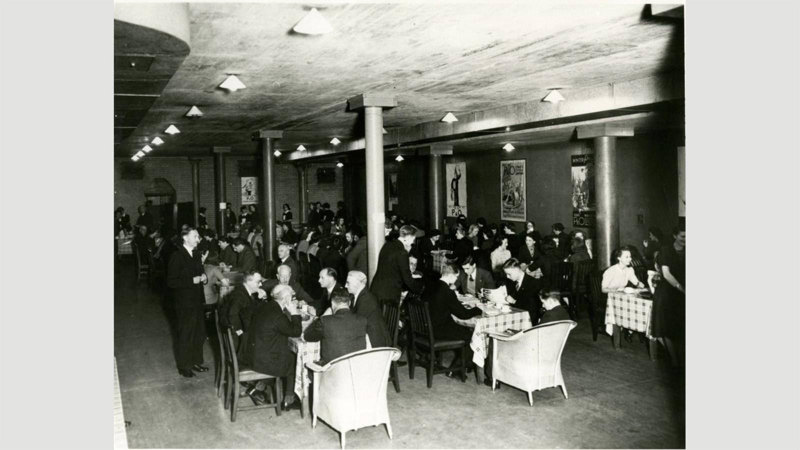 Un des coffres de la Banque d'Angleterre a été utilisé comme cantine pendant la seconde guerre mondiale : l'or avait été évacué vers le Canada