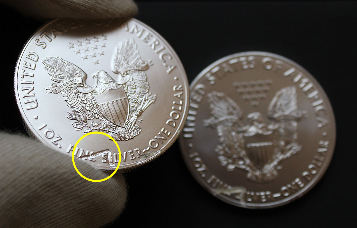 Gros plan sur le défaut de fabrication de la pièce Americain Silver Eagle