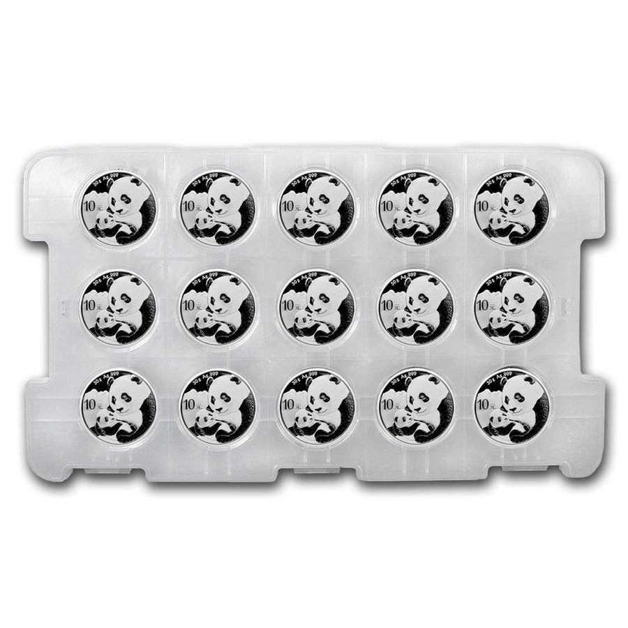 Photo d'un casier en plastique contenant 15 pièces d'argent Panda Chine 2019