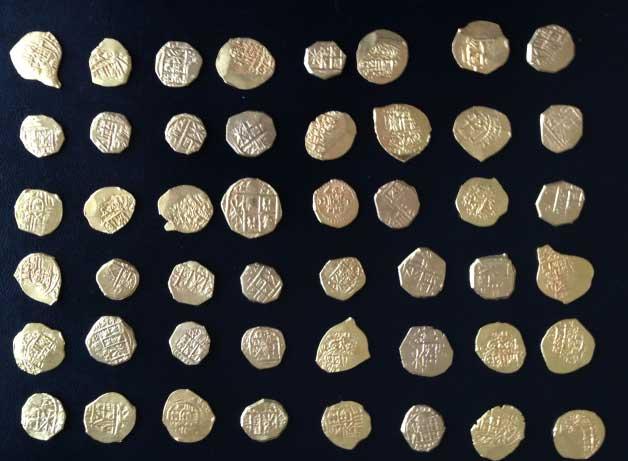 Photo des pièces d'or du trésor découvert en Floride