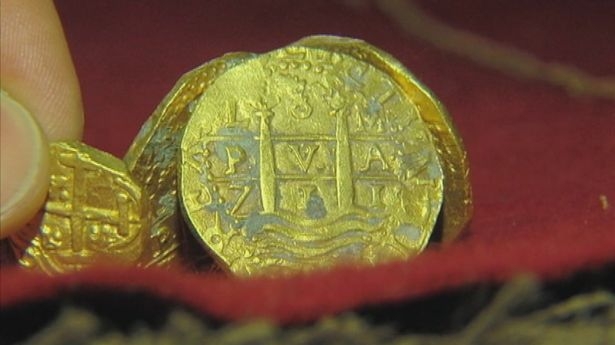 Photo d'une partie des objets du trésor découvert au large de la Floride