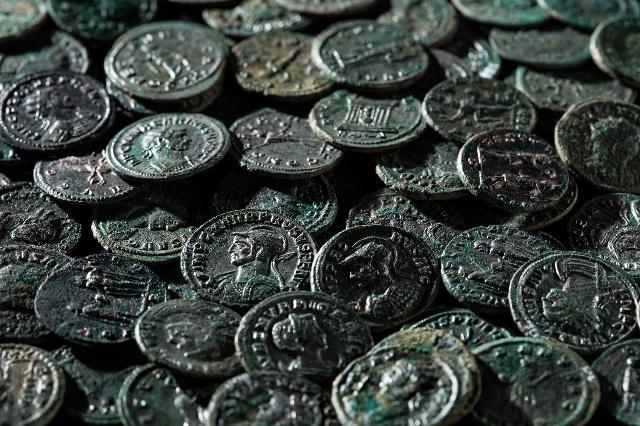 Photo du trésor de monnaies romaines de ueken