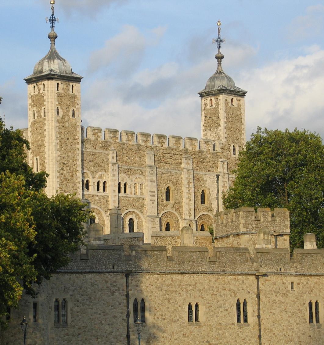 6. C'est dans la Tour de Londres que le roi de France Jean le Bon a passé 4 ans après sa défaite à contre Edouard III.