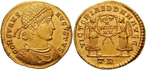 Sur cette monnaie d'or de Constans frappée en 347-348 après JC, le revers évoque l'accomplissement des voeux pour les 20 ans de règne (