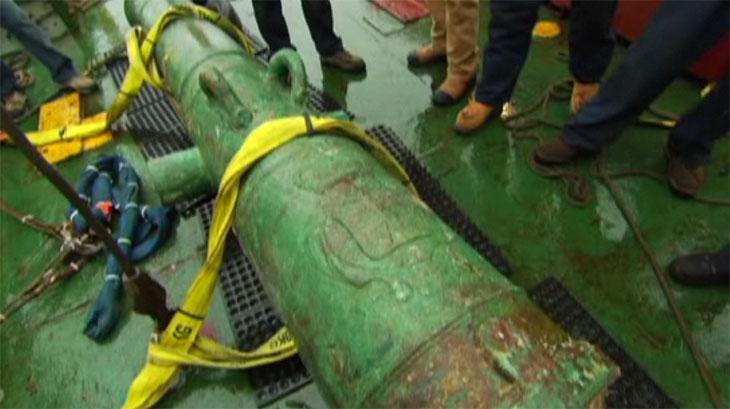 Deux canons du HMS Victory ont été sortis des eaux pour authentifier la découverte